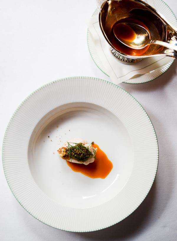 Homard, ris de veau, beurre d'amande, caviar Kristal © Yonder.fr