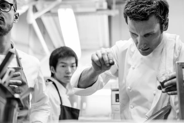Christophe Saintagne en cuisine © Pierre Monetta