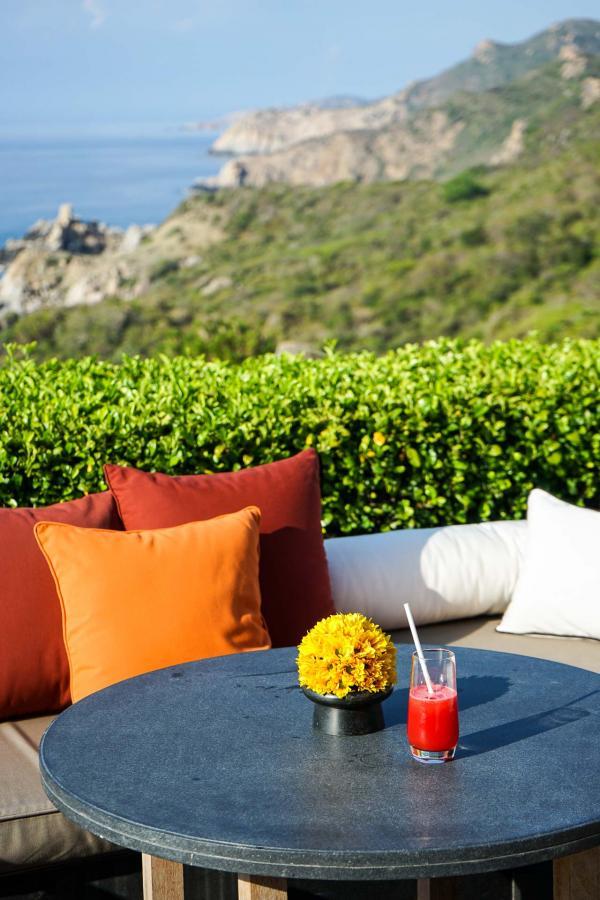 Terrasse avec vue depuis le restaurant principal du resort, dans le Pavillon central © YONDER.fr
