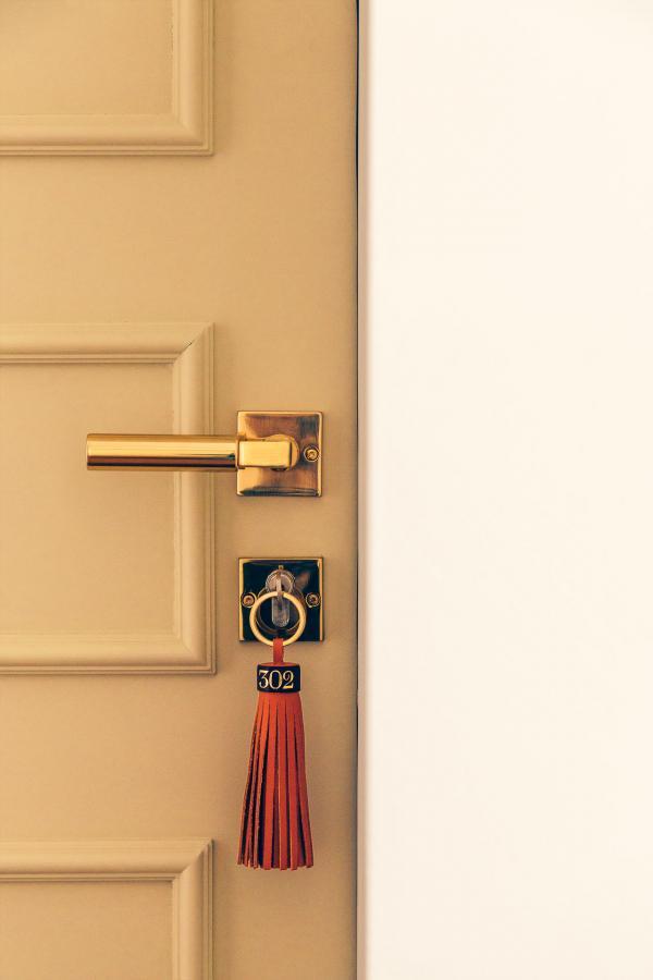 Clés à l'ancienne pour accéder aux chambres © Romain Laprade