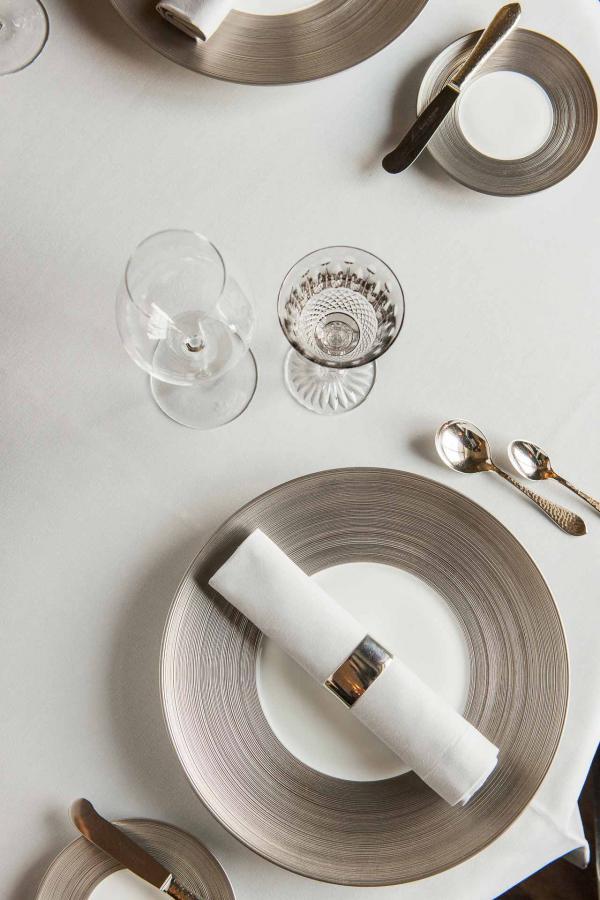Art de la table au Cheval Blanc © Les Trois Rois