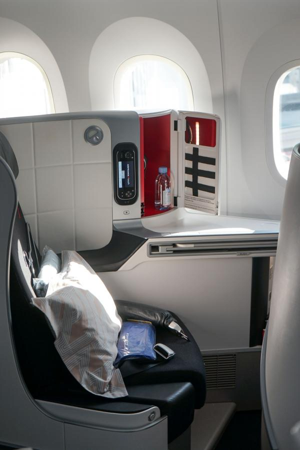 Un siège fenêtre de la cabine Business du vol AF334 (Dreamliner 787-9) © YONDER.fr