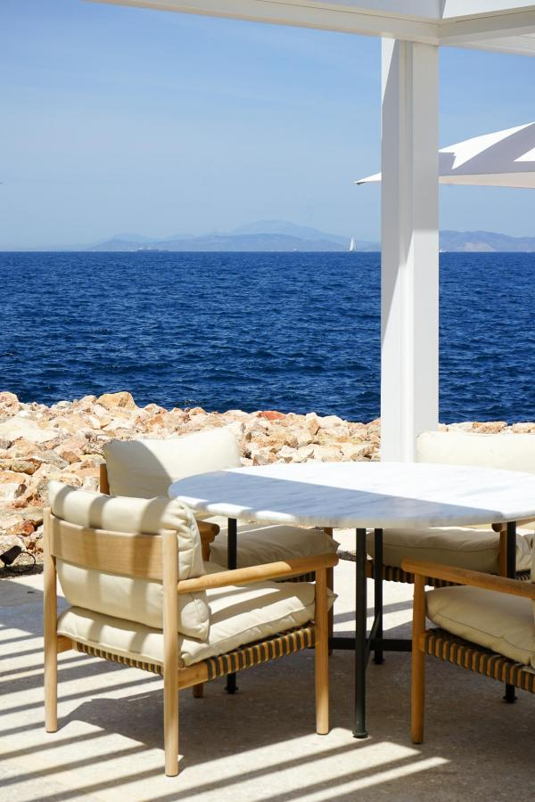 Four Seasons Astir Palace Hotel Athens : le long du front de mer de l'hôtel © YONDER.fr