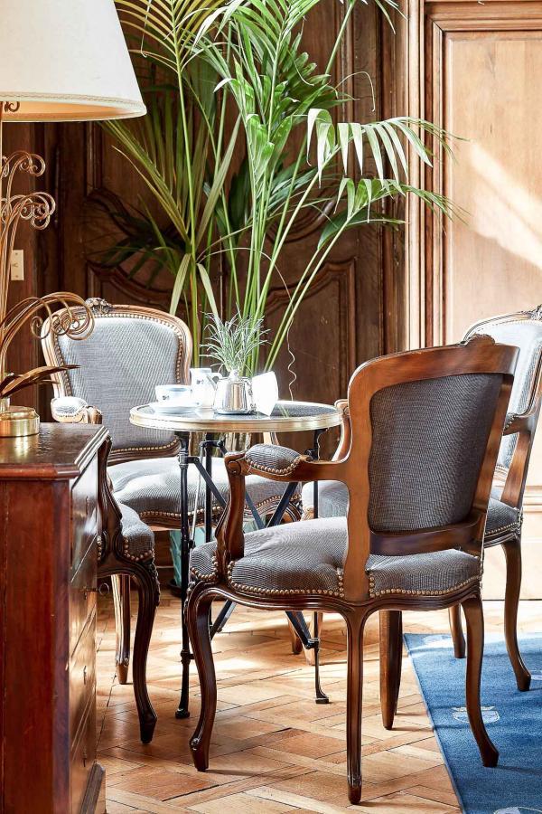 Château d'Audrieu : les intérieurs classiques de l'établissement © DR