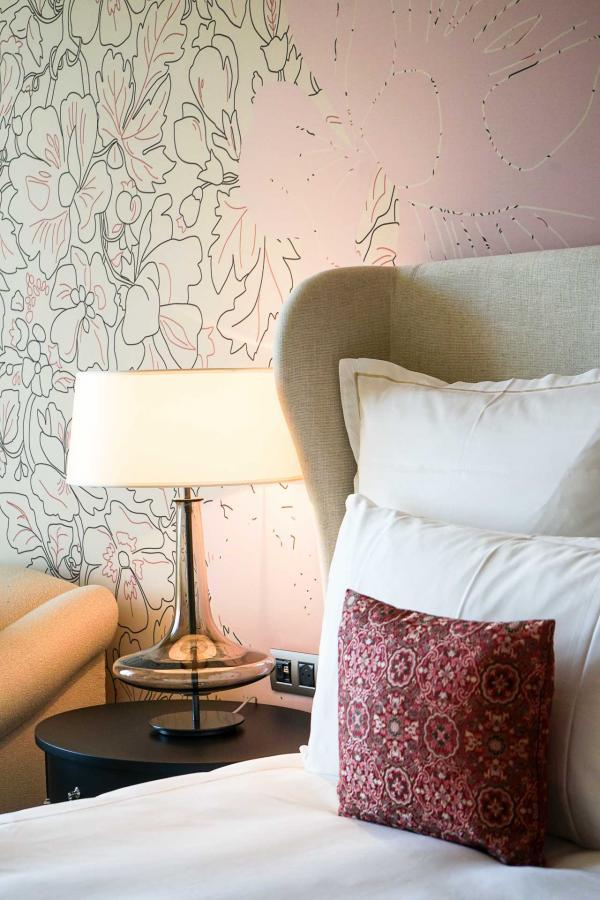 Détails de décoration dans la chambre © YONDER.fr