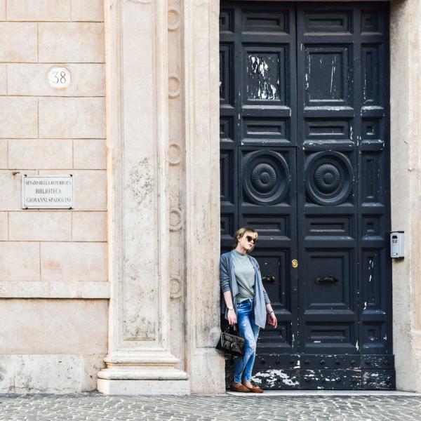 Scène de rue dans le centre historique de Rome © Yonder.fr