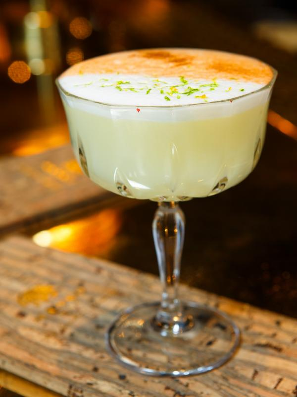 L'incontournable Pisco Sour, LE cocktail à siroter chez MANKO © Alban Couturier