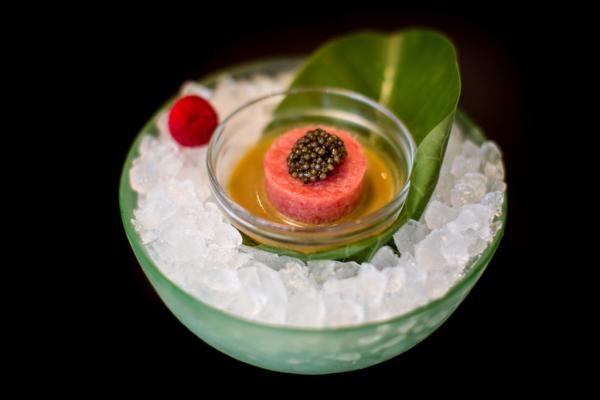 "Création culinaire de Nobu (""Toro Tartar"") © Henry Hagreaves"