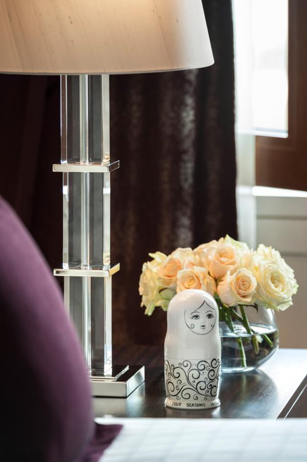 De nombreuses touches de décoration rappellent que l'on est ici en Russie © Four Seasons