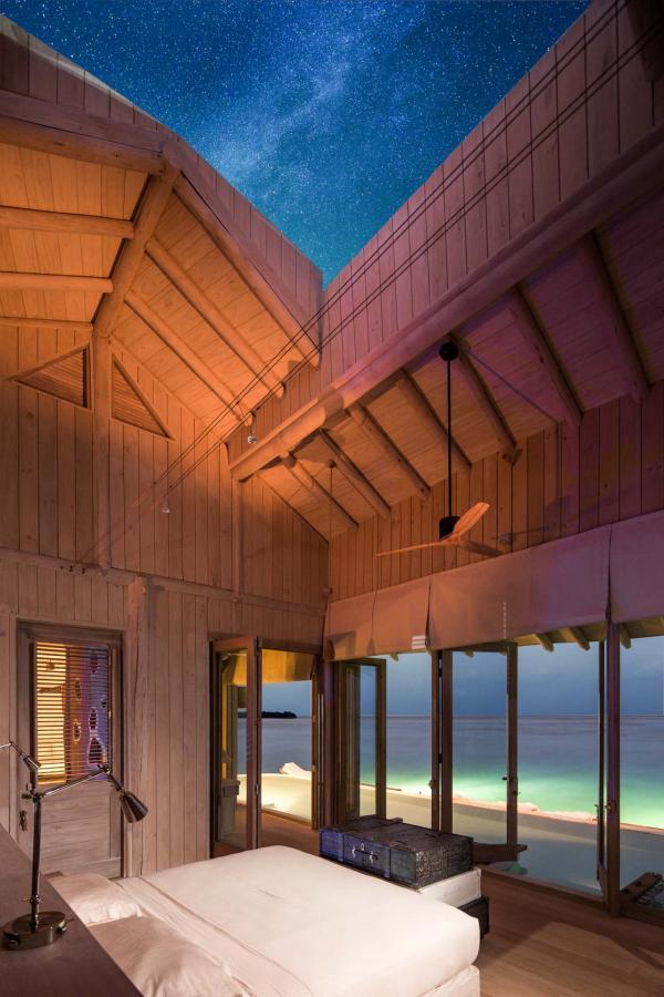 Les villas disposent toutes d'un toit rétractable, permettant d'admirer le ciel étoilé © Richard Waite