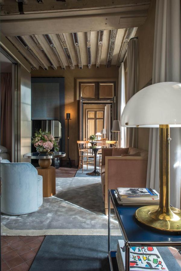 L'hôtel secret Cour des Vosges © Gdelaubier