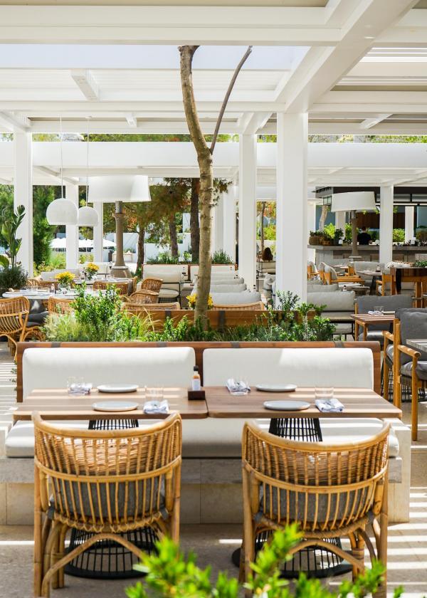 Le restaurant et bar de bord de mer Helios (spécialité latino-américaines et cocktails) © YONDER.fr