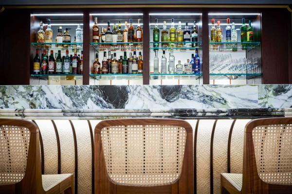 Le bar de Clover Grill doit sa carte à la bande réputée de l'Experimental Cocktail Club. Un bon point de plus © Nicolas Lobbestael