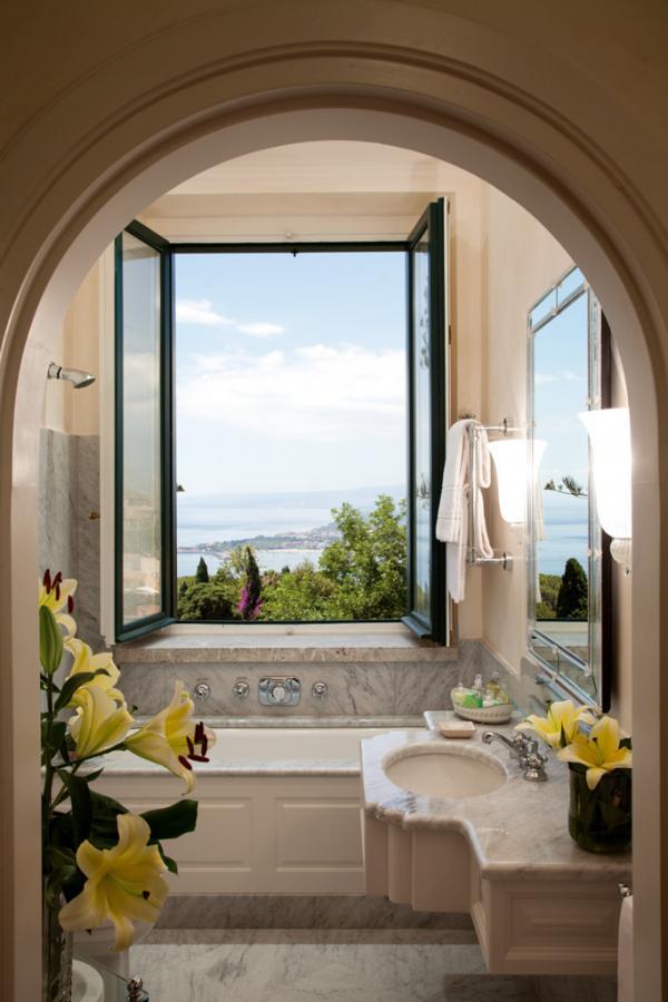 Salle de bain avec vue © Belmond