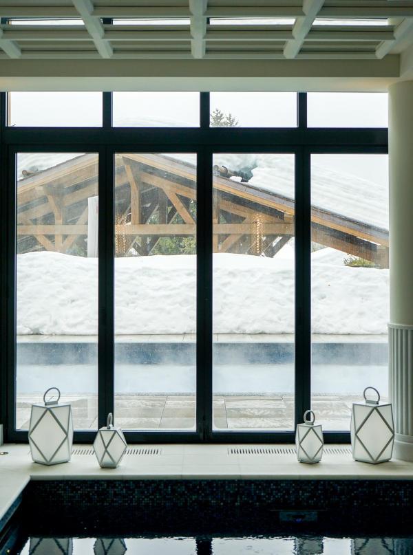 La piscine est l'un des joyaux de l'hôtel © YONDER.fr