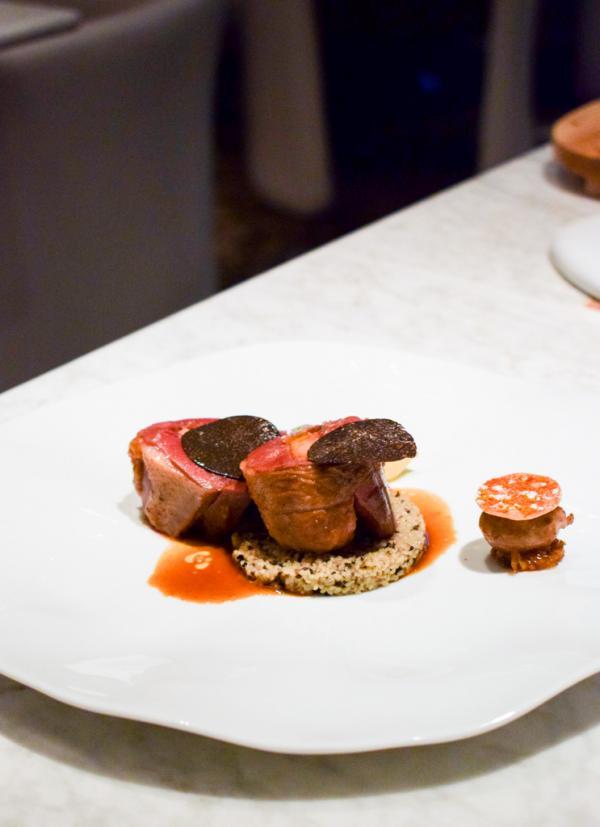 Pigeon des Costière - Filets pressés au foie gras / Epices / Couscous de truffe noire © YONDER.fr