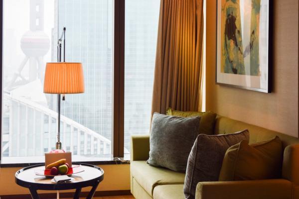 Chambre avec vue, au 23ème étage du Mandarin Oriental Pudong © Yonder.fr