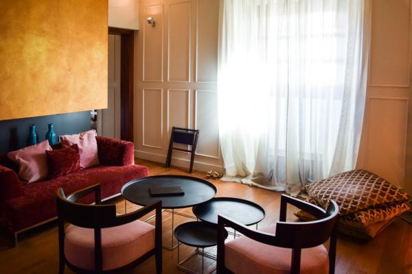 """À l'intérieur de la Junior Suite 203 """"Marqués"""", la chambre que nous recommandons © Yonder.fr"""