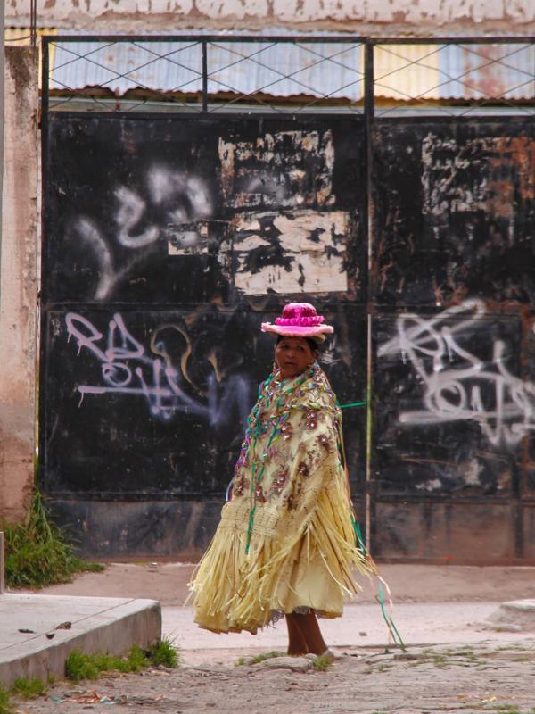 Femme en costume traditionnel, Copacabana, Bolivie. © Cédric Aubert