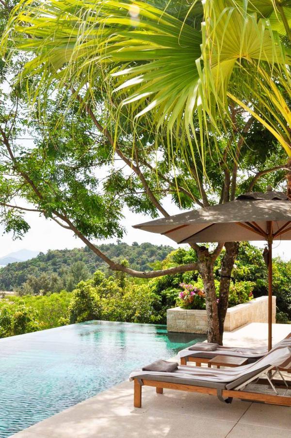 Vue de la piscine d'une résidence privée © Constance Lugger