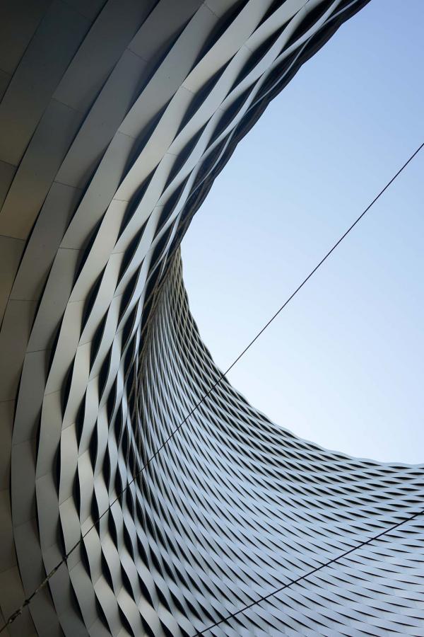 La nouvelle Halle de la Messe de Basel signée Herzog & de Meuron © YONDER.fr