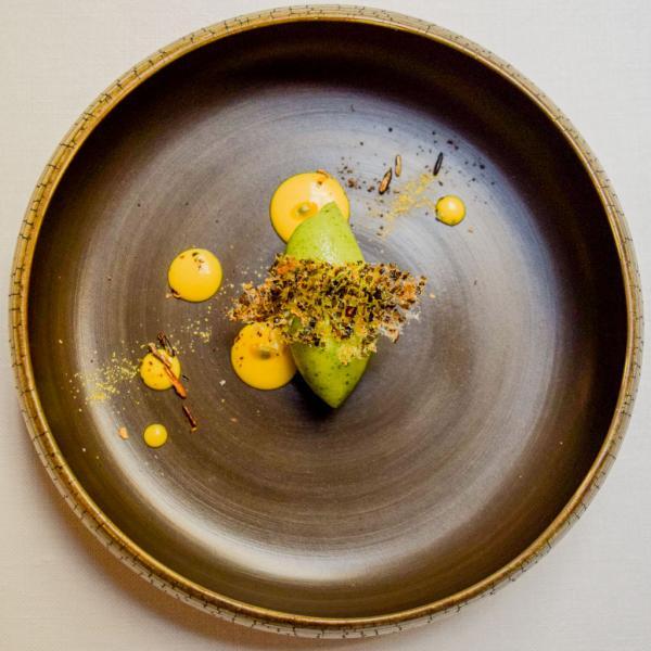 Le pré-dessert : sorbet aux herbes et passion © Yonder.fr
