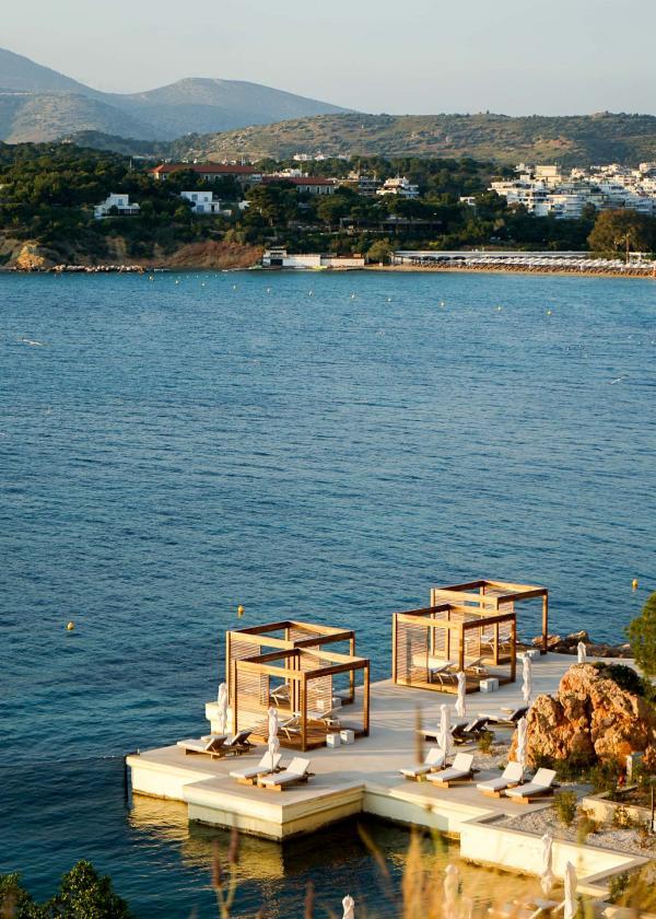 Coucher de soleil sur le Four Seasons Astir Palace Hotel Athens © YONDER.fr