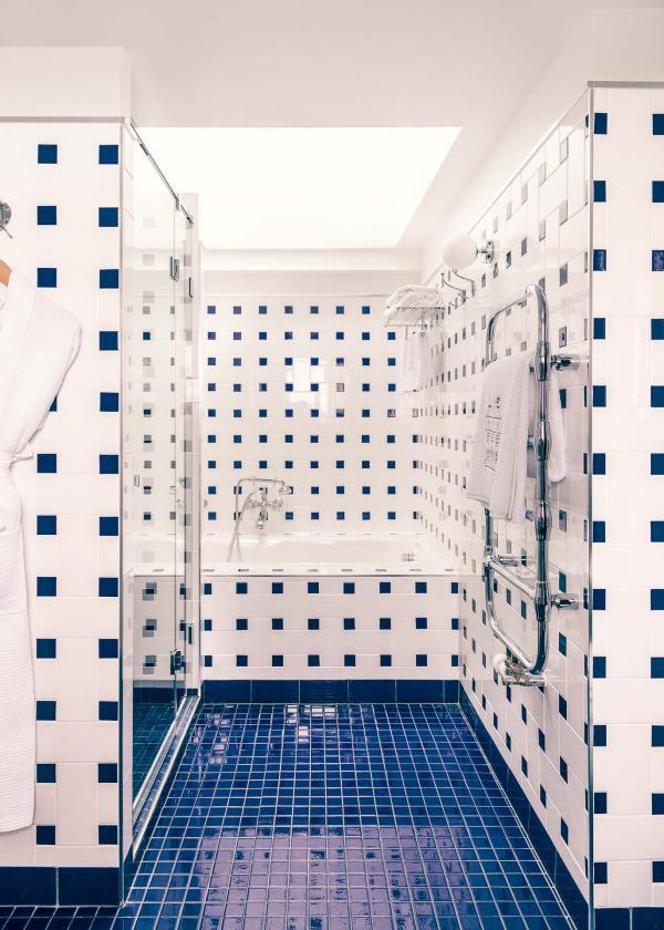 Salle de bain de la Suite Panorama © Romain Laprade