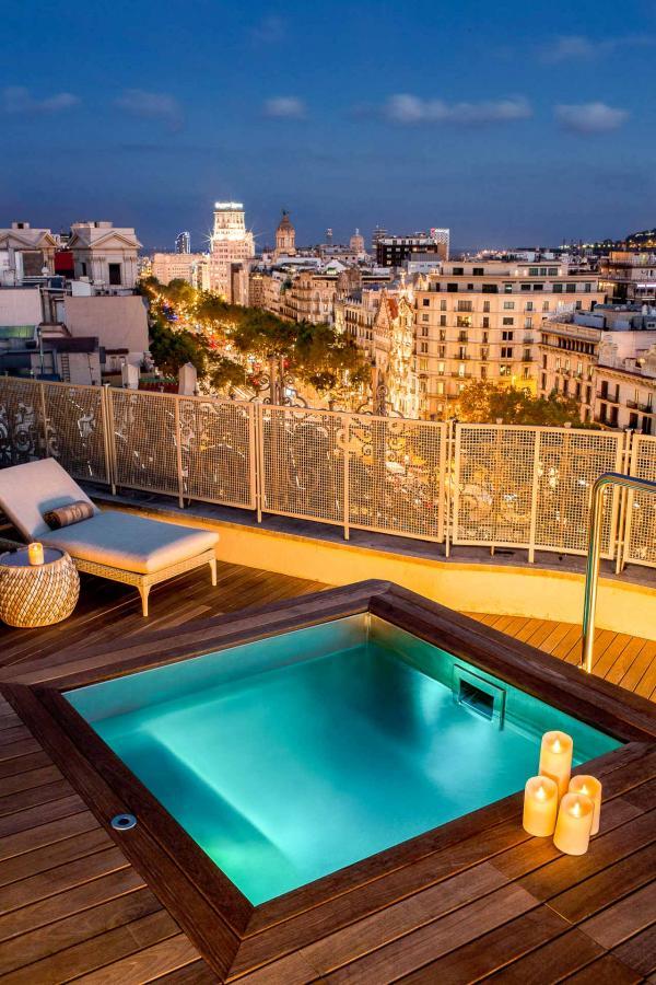 Majestic Hotel & Spa Barcelona - La terrasse avec jacuzzi du Royal Penthouse © DR