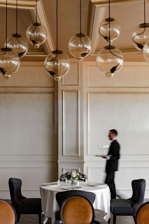 Intérieurs du restaurant Le Royal © MR. TRIPPER