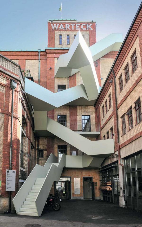 La Brasserie Warteck et son escalier iconique © Basel Tourismus