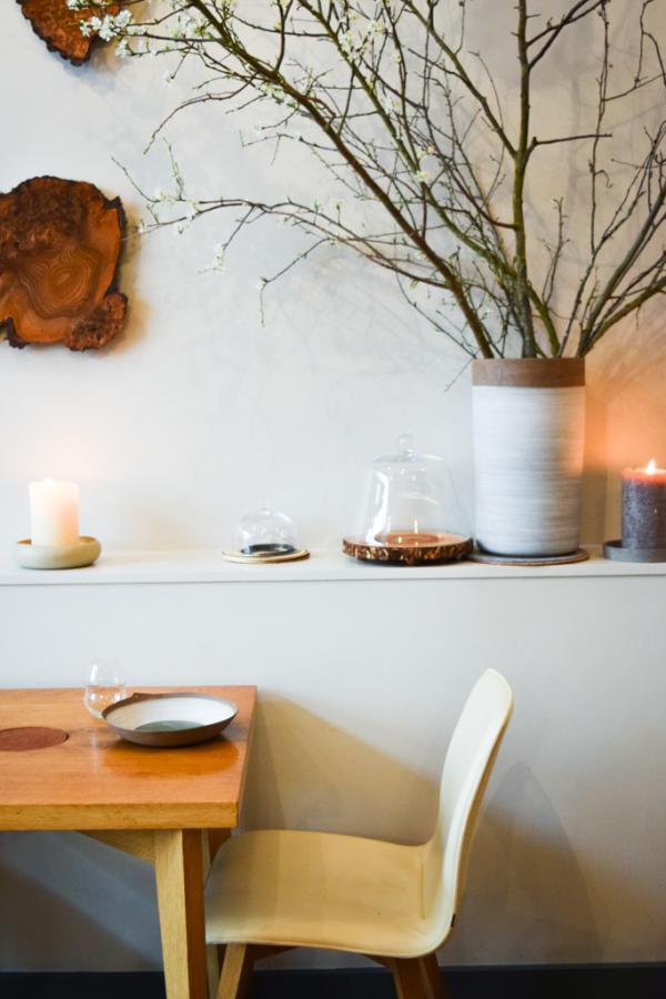 Design contemporain d'inspiration scandinave dans le restaurant © Yonder.fr