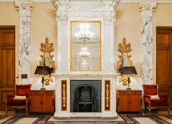 Le premier étage abrite les suites d'apparat de l'hôtel © YONDER.fr