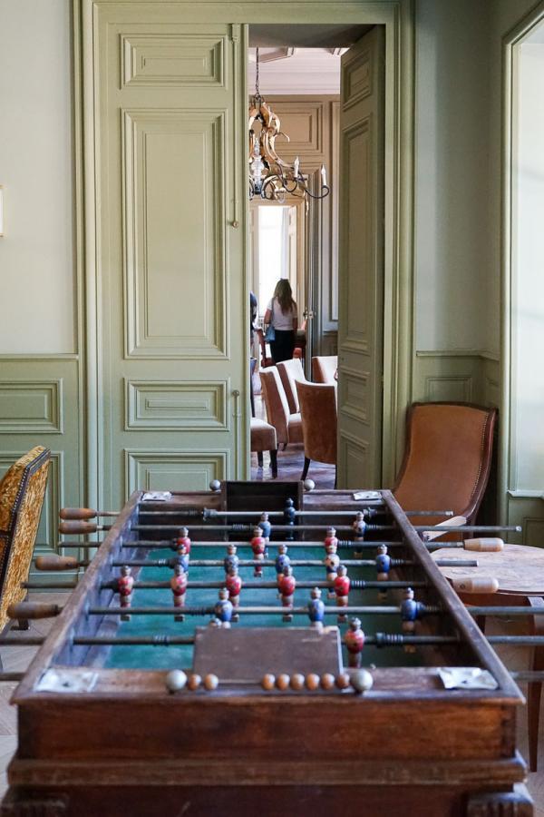 Les Sources de Cheverny – Baby-foot vintage dans les salons du château © MB   YONDER.fr