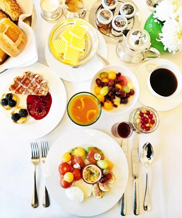 Petit-déjeuner de standing © YONDER.fr