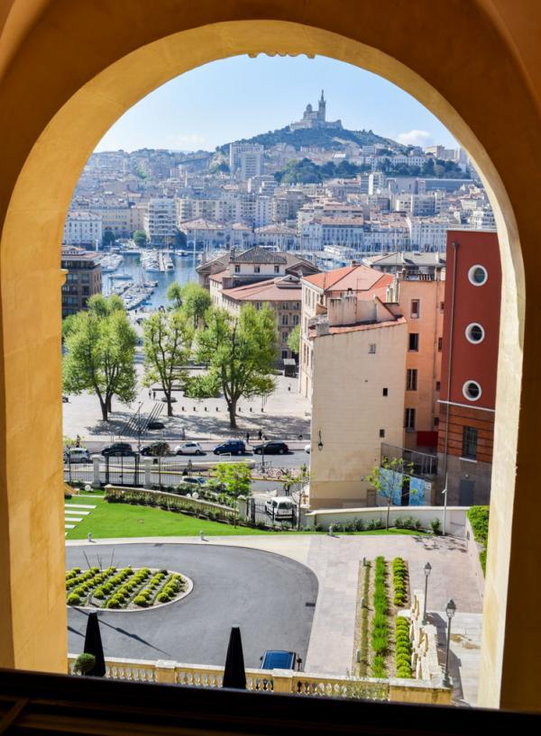 Vue sur Marseille depuis la chambre 609 © YONDER.fr