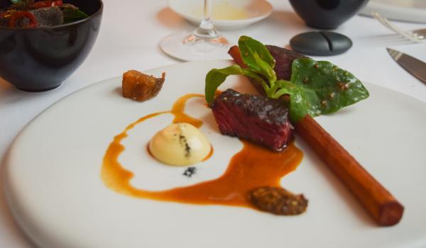 Boeuf de Galice maturé 90 jours : l'unique plat de viande de ce menu dégustation. © Yonder.fr