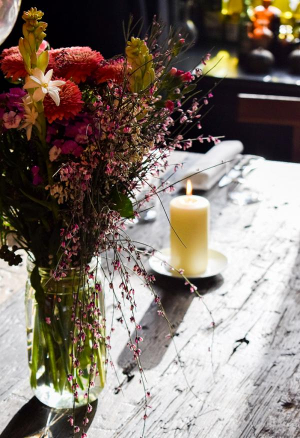 Atmosphère lumineuse dans le restaurant © YONDER.fr