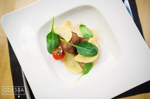 La cuisine ukrainienne revisitée de manière contemporaine au restaurant Odessa © Odessa