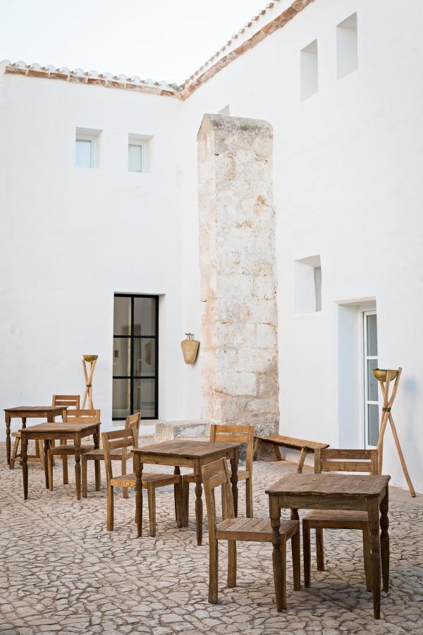 Fontenille Menorca - Torre Vella - Cour © Yann Deret