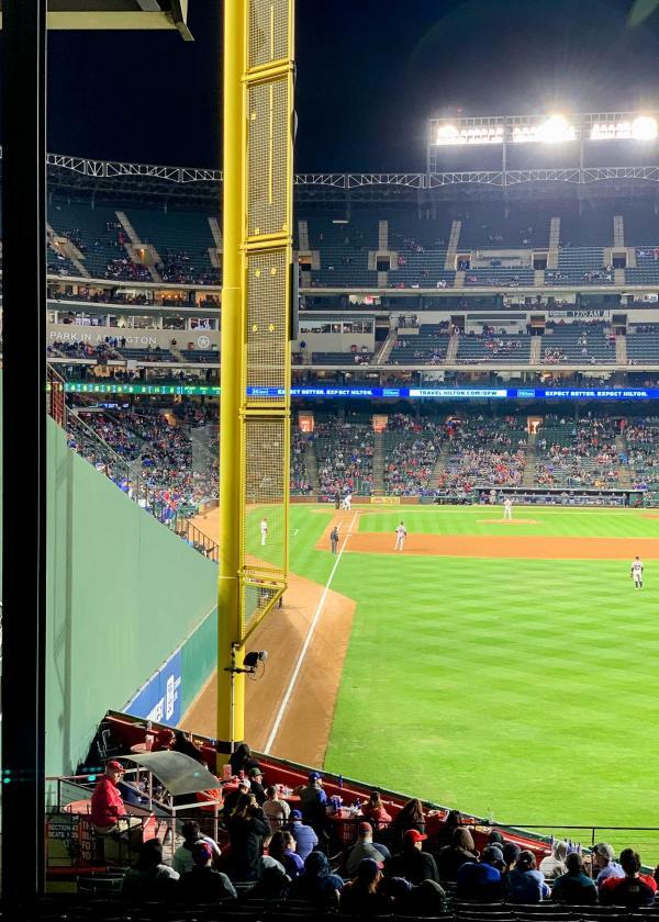 Pendant un match de baseball des Texas Rangers © YONDER.fr