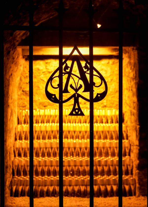 Dans les caves d'Armand de Brignac, à Chigny-les-Roses en Champagne © YONDER.fr