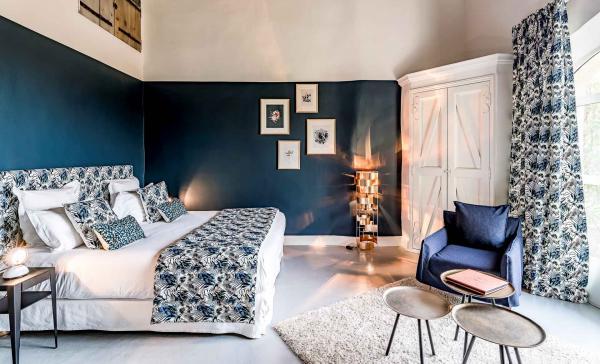 La chambre Deluxe Terrasse redécorée en collaboration avec Maison Baluchon © Studio Chevojon