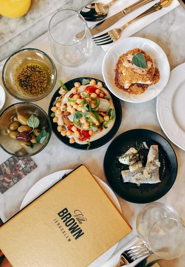 Le savoureux brunch israélien du chef Adoni © Camille Weyl