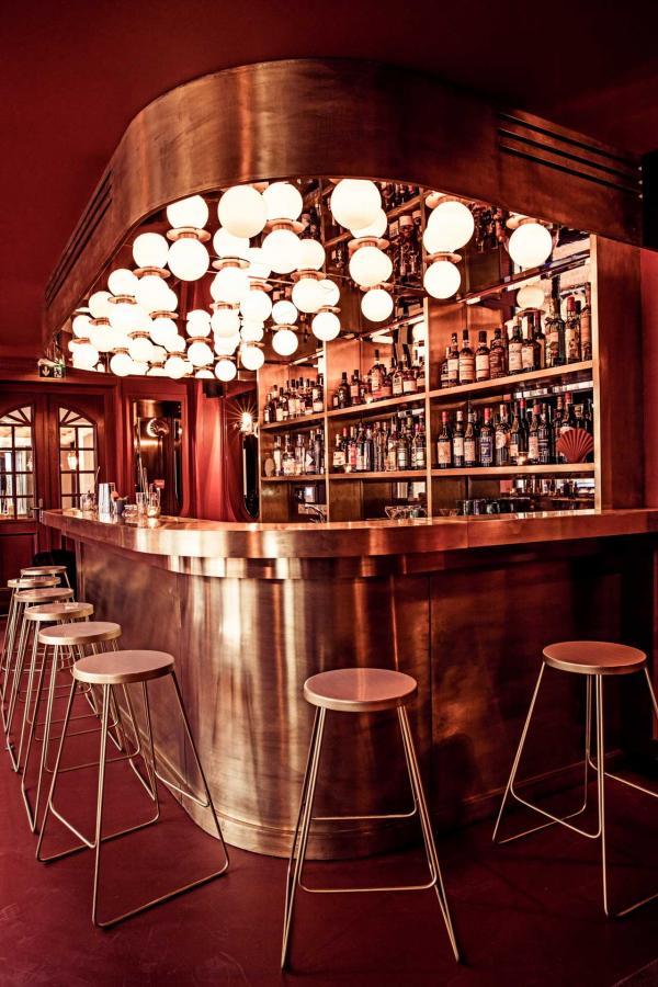 Le Shell, bar à cocktail à découvrir avant ou après le dîner © Karel Balas