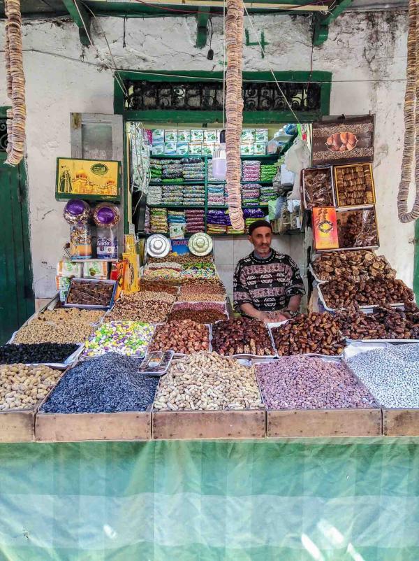Un marché immense se déroule dans les rues de la médina de Tétouan © Alix Laplanche