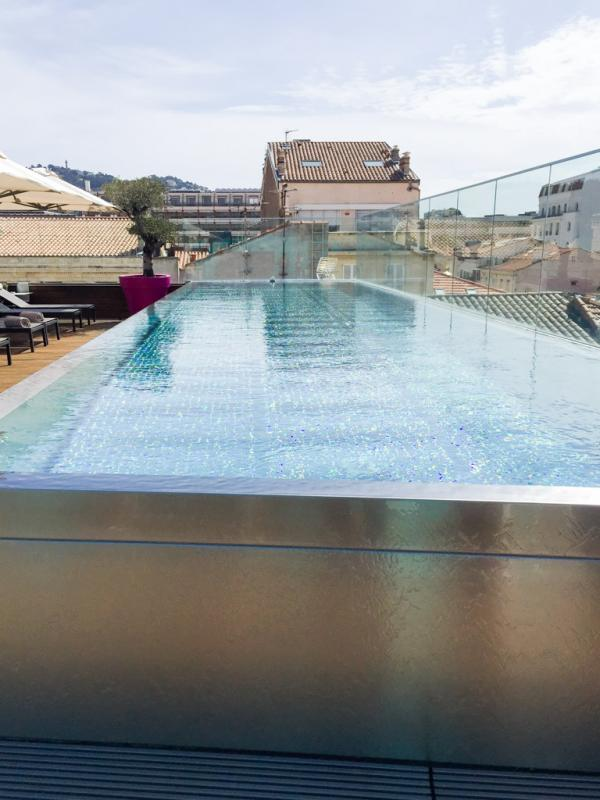 Les plus beaux h tels de france le five seas h tel cannes for Piscine ile napoleon rixheim