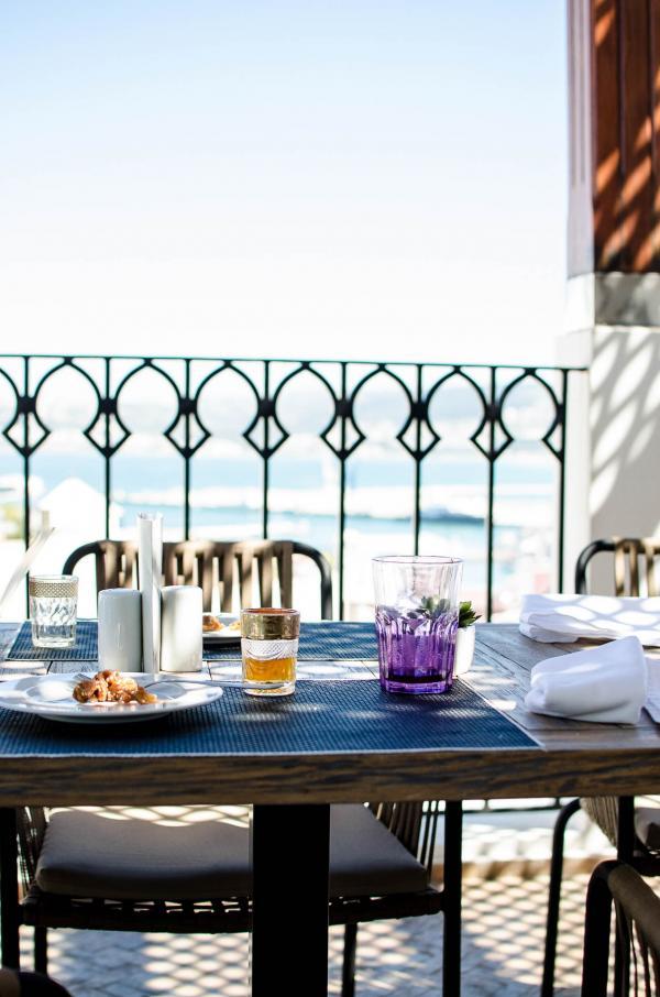 Venez savourer un exquis tagine avec vue sur la mer au Dar Lidam © Alix Laplanche