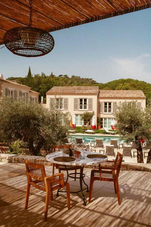 Hôtel Lou Pinet Saint-Tropez | Terrasse du Beefbar © Matthieu Salvaing
