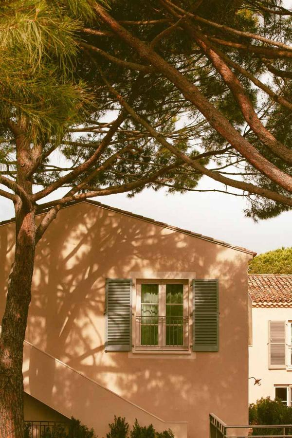 Hôtel Lou Pinet Saint-Tropez | Vue extérieure © Matthieu Salvaing
